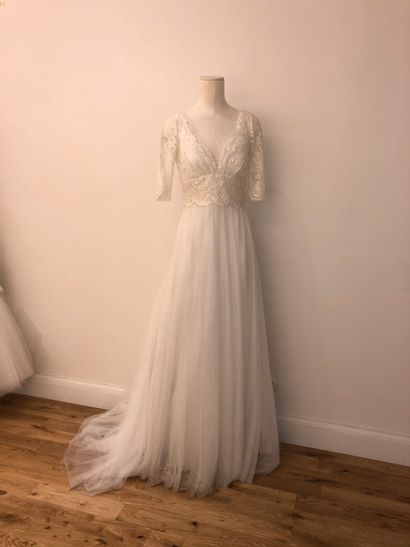 1 robe de mariée bustier en dentelle