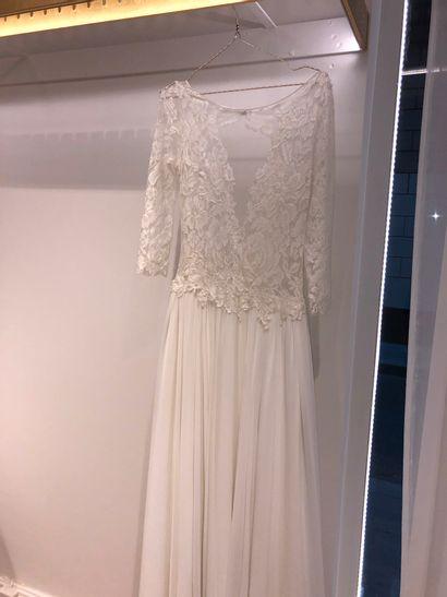 1 robe de mariée dentelle à fleur