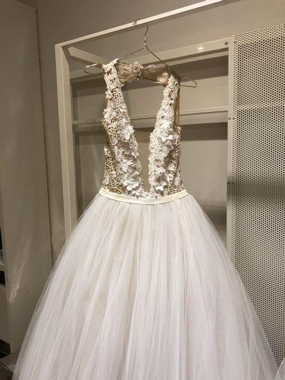 1 robe de mariée bustier fleurs et perles...