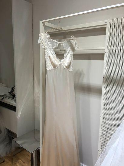 1 robe de mariée bustier dentelle T40