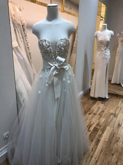 1 robe de mariée corset à fleurs