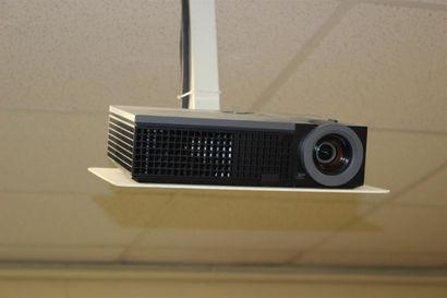 1 rétro-projecteurs ACER avec écran