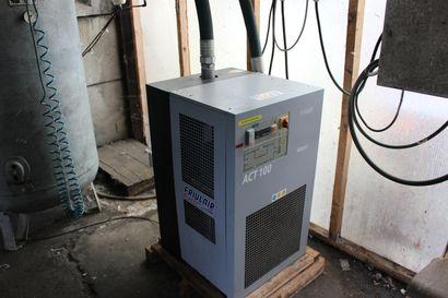 1 sécheur d'air frigorifique FRIULAIR type ACT 100