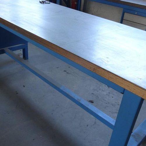 Etabli avec 2 blocs tiroirs dim. 2,00 x 0,75 m