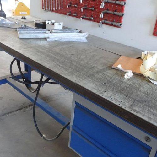 Etabli avec bloc 2 tiroirs dim 2,00 x 0,75 m