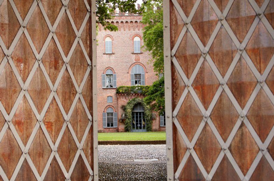 Aperçu en vidéo du prestigieux mobilier du Château di Cassano Magnano