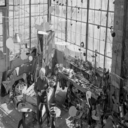 Alexander Calder, des sculptures monumentales aux bijoux