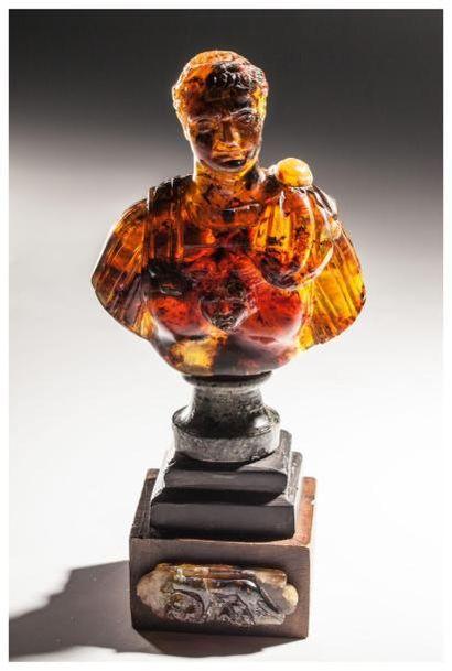 Adjugé ! Buste d'Octave Auguste en ambre - 22 750 €