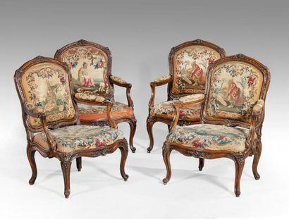 Rare suite de 4 fauteuils à châssis et à dossier à la reine