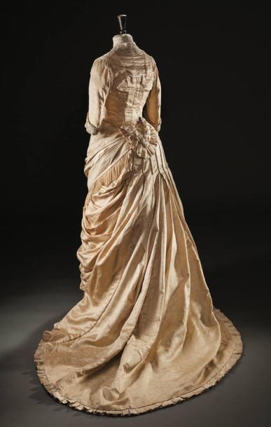 Une robe de mariée griffée Worth