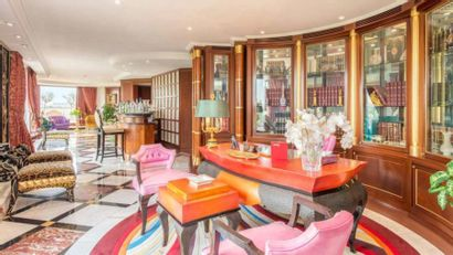 A LONDONER INTERIOR DECORATED BY COLOMBOSTILE AT DROUOT