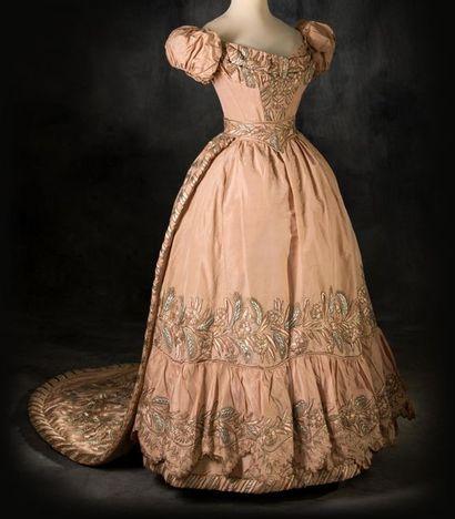 Robe romantique à pedigree