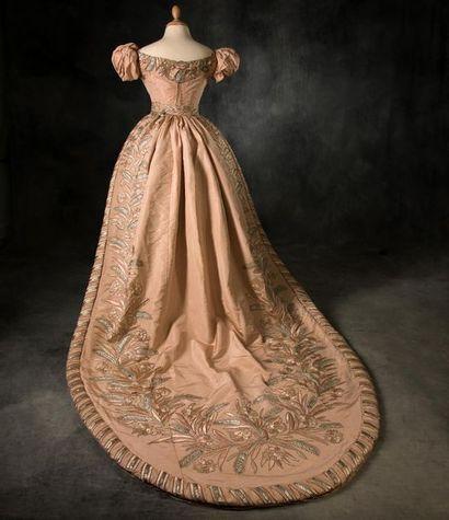 E X T R A O R D I N A I R E ... cette robe