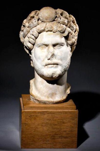 Hadrien de marbre