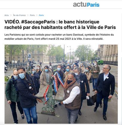 ► VIDÉO. #SaccageParis : le banc historique racheté par des habitants offert à la Ville de Paris