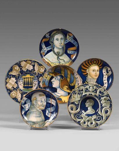 EXCEPTIONNEL ENSEMBLE DE MAJOLIQUES provenant de la succession de Madame Jean-Pierre GUERLAIN