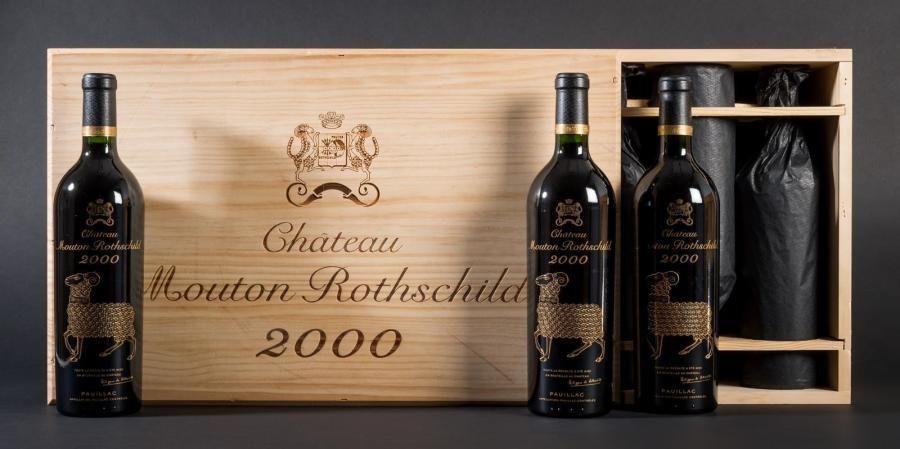 12 bouteilles Château Mouton Rothschild 2000...