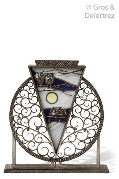 Michel ZADOUNAÏSKY (1903-1983) Importante lampe de table en fer forgé et vitraux...