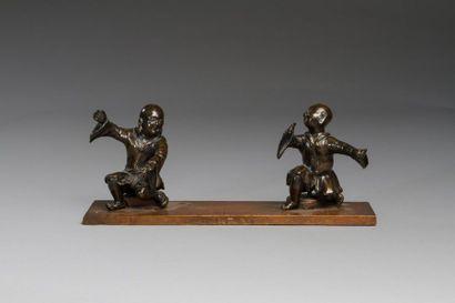 Chine, XIXe siècle  Deux sujets en bronze...