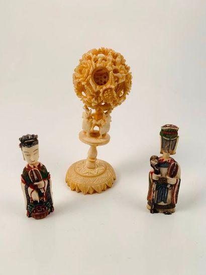 Chine, vers 1930  Lot de deux flacons tabatières...