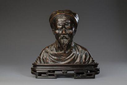 Indochine, vers 1930  Buste en bronze de...