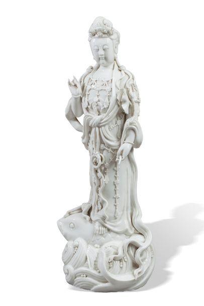 Chine, vers 1920  Importante statuette en...