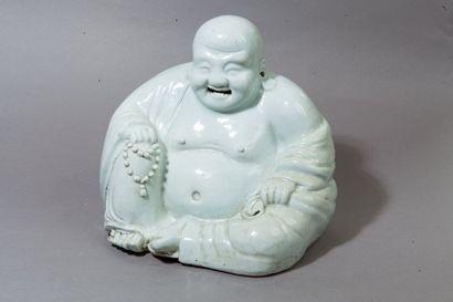 Chine, vers 1920  Statuette en porcelaine...