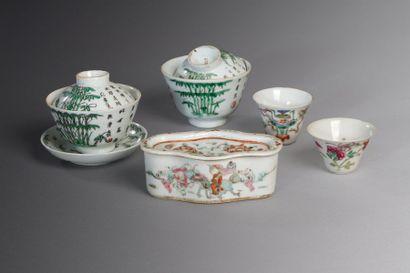 Chine, XIXe siècle  Lot comprenant deux petits...
