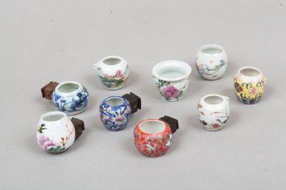 Chine, XIXe siècle  Lot de dix mangeoires...