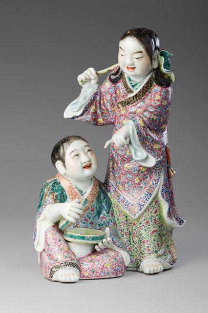 Chine, XIXe siècle  Statuette en porcelaine...
