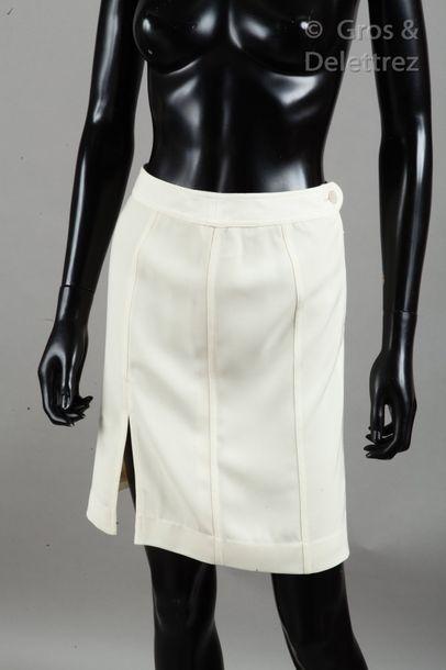 CHANEL par Karl LAGERFELD Ready-to-wear collection Spring/Summer 1999 Skirt in ecru...