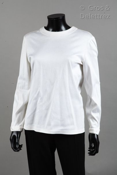 CHANEL Set consisting of a white cotton top, round neckline, long sleeves and black...