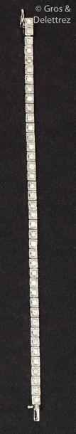 Bracelet «?Ligne?» en or gris, entièrement...