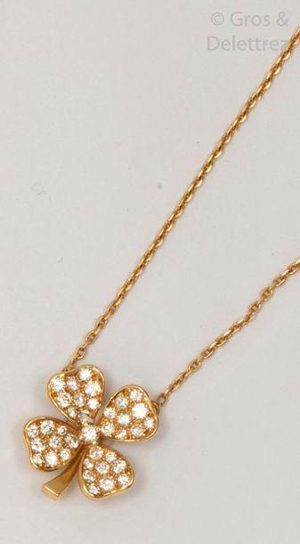 Collier pendentif «?Trèfle?» en or jaune,...