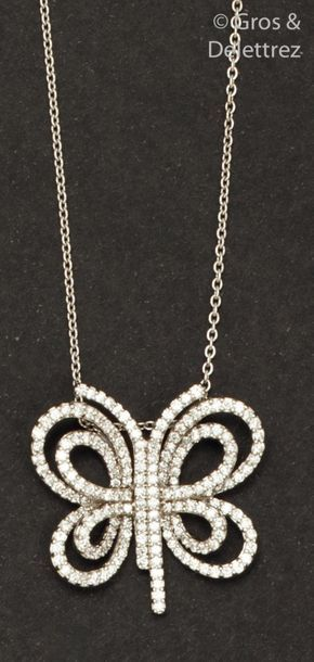 Collier pendentif «?Papillon?» en or gris,...