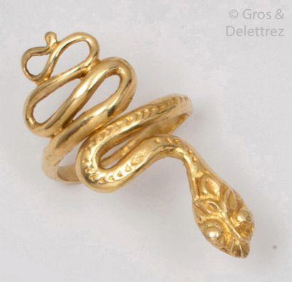 Bague «?Serpent?» en or jaune 14K ciselé....