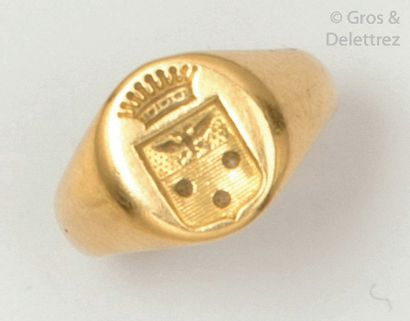 Bague «?Chevalière?» en or jaune, ornée d'un...