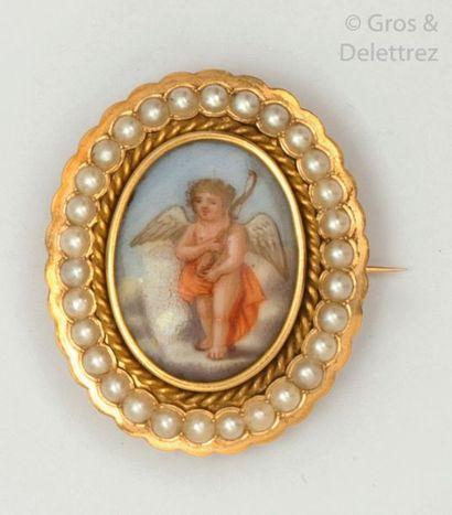 Broche ovale en or jaune, ornée d'une miniature...
