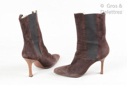 DOLCE & GABBANA Paire de chelsea boots en agneau velours café, empiècements stretch,...