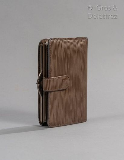 """LOUIS VUITTON French"""" compact wallet in peppercorn leather, inside card holder, purse...."""