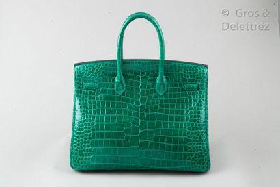 "HERMÈS Paris made in France Année 2012 Sac ""Birkin"" 35cm en Crocodylus Porosus vert..."