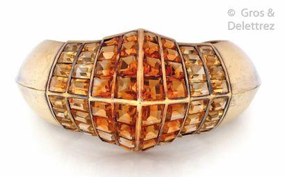 """RENE BOIVIN Bracelet """"Jonc ouvert"""" en vermeil et or jaune à décor pyramidale, serti..."""