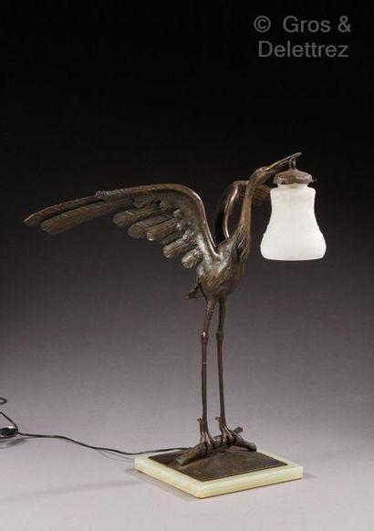 MULLER FRERES à Lunéville CHAPELLE à Nancy, attribué à Lampe en fer forgé figurant...