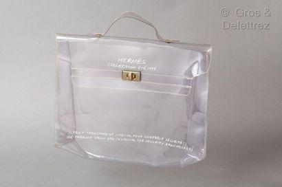 HERMES Paris - Collection Eté 1996 *Sac « Kelly » 32cm en PVC transparent, fermoir...