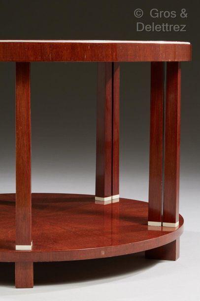 JACqUes-éMIle rUhlMAnn (1879-1933) Guéridon modèle « Dix colonnettes » à double plateau...