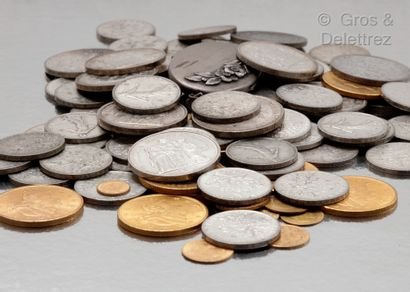 Lot de pièces en argent comprenant : 48 pièces...