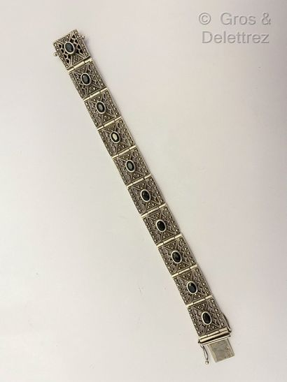 Bracelet articulé en argent, composé de maillons...