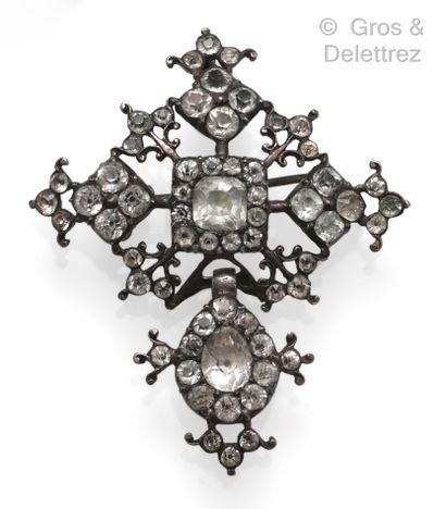 Broche pendentif « Croix » en argent, composée...