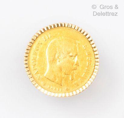 Bague en or jaune, ornée d'une pièce de 10...
