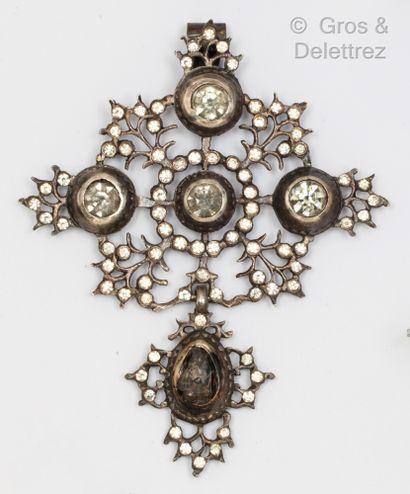 Pendentif «Croix de Saint Lô» en argent,...